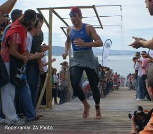 Javier Gomez Noya Saliendo del agua.Rodeiramar Photo