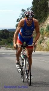 Javier Gómez Noya, en pleno esfuerzo en el Campeonato de España celebrado en Cangas de Morrazo en el 2009.Rodeiramar 2A Photo
